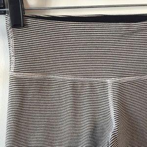Lululemon striped wunderunder- size 4 -black/cream